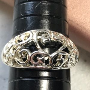 Jewelry - Silver Filigreed Ring size 7